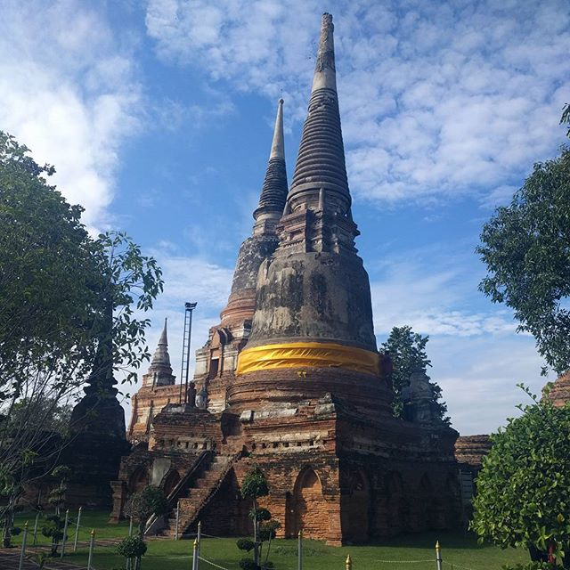 Just one of the many shrines in the very beautiful Ayutthaya.